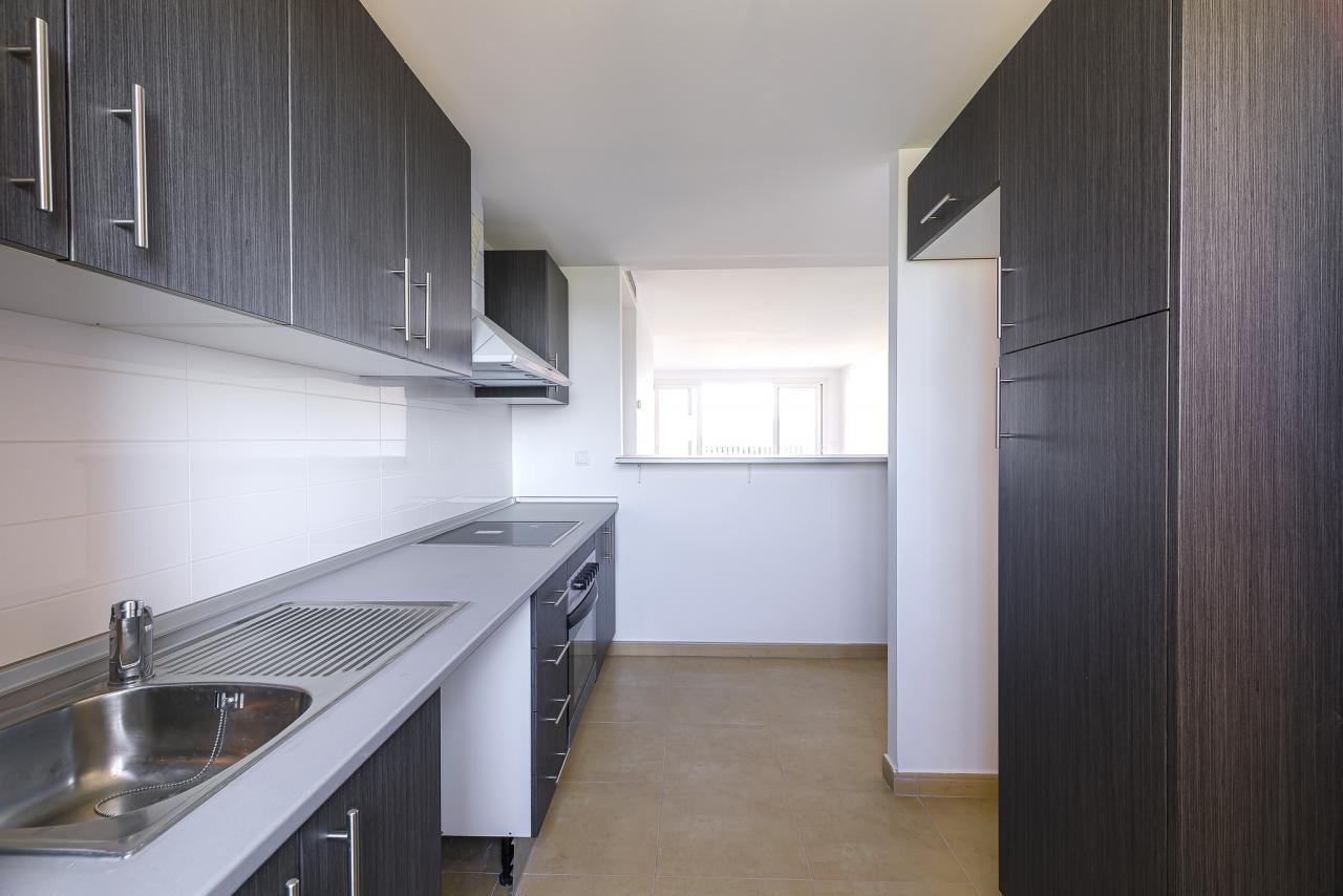 11-05-2021_Kitchen2.jpg